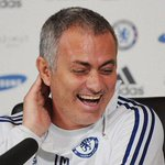 Chelsea not boring, but Arsenals trophy drought is really boring - Jose Mourinho http://t.co/6BgGTGWeNx http://t.co/0teNUByNbH