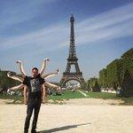 Il voulait toucher la Tour Eiffel: ce touriste belge devient un mème http://t.co/rqkuOGtXJi http://t.co/JLtAL0FaCL
