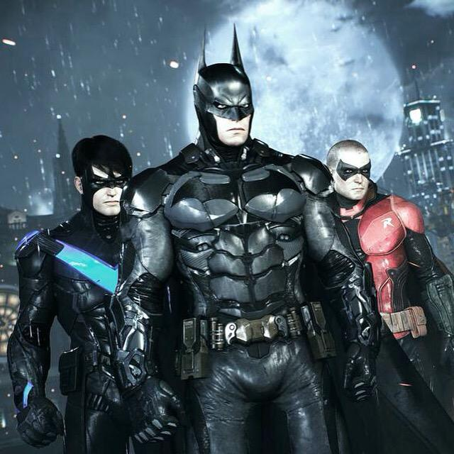 Just to confirm: Arkham Knight is single player only. Dual play allows users to switch between characters. http://t.co/JnrZP6ITNi