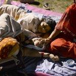 Premier indiano doa salário para ajudar vítimas de terremoto. http://t.co/iClU1Tvas4 http://t.co/hVaztGDS9G