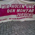 (17:30) Leuschnerplatz. Die ersten 200 sind da. Bereit wenn ihr es seid. #nolegida http://t.co/8PChNCbJUv