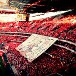 É por imagens como esta que o Benfica é o melhor clube do MUNDO #CarregaBenfica http://t.co/nRdwk0BYUQ