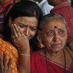 Suman 67 muertos en India por sismo del sábado, con epicentro en Nepal; preparan campamentos para damnificados http://t.co/O3KwiIbiyn