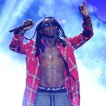 ICYMI: Lil Waynes Tour Bus Shot at in Atlanta http://t.co/do7uROi26E http://t.co/WDU9A4SOd5