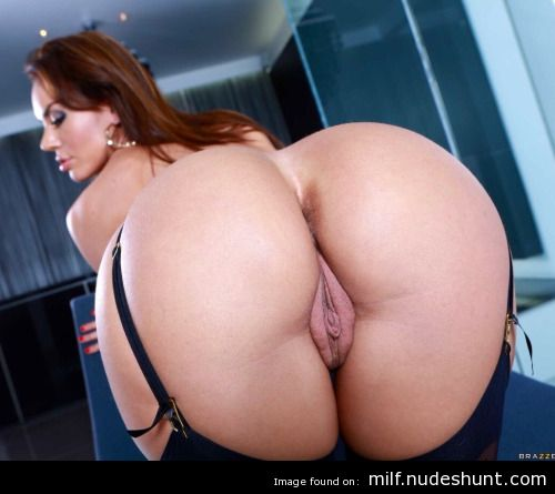xxx hardcore milf porn Sleazy n Easy brings you the best sleazy and hardcore porn tube videos,the site  updates momentarily with new free porn tube videos.