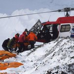 Rush to save trapped Everest climbers before supplies run out http://t.co/khup7U9b2g #NepalEarthquake http://t.co/rvedD0YsBV