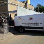 via @Alanzola: A esta hora ingresa una furgoneta a la PNB av Sucre y esta el Cicpc adentro. Desconocemos por que. http://t.co/RWKjVBontB