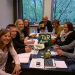 Für #Flüchtlinge in #Köln: Unser Kommunikationsteam bei der Arbeit. #tuerauf http://t.co/Coq2yyjKoi
