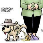 Verniedlichung des Tages :/ RT @TiloJung: Missratene Hundeerziehung #BND http://t.co/3JxuzA3IEG
