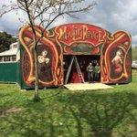 Day 1 done, bring on build day number 2! @brightonfringe #Brighton #boscotheatre #spiegeltent http://t.co/TbZuR15cXl