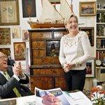 À Montretout, quand Marine Le Pen dit quelle nétait pas au courant pour le compte en Suisse de son père. http://t.co/Z5n37LlnqT