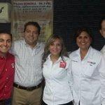 Muchas gracias a mis buenos amigos @salvadoravilaco y @demiandu por abrirnos micrófonos en Radio Sonora @MaloroAcosta http://t.co/qOnWdbjYpD