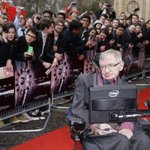 Stephen Hawking usa Física para consolar fãs de @OneDirection sobre @ZaynMalik http://t.co/Fok7zNLjne http://t.co/f414MxgLNG