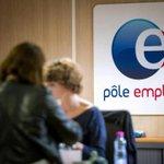 Chômage: Le nombre record de 3,5 millions de demandeurs d'emploi a été atteint fin mars http://t.co/9jAiwpfYko http://t.co/r94WaqXfXc