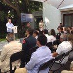En conferencia, presentamos la aplicación 066 movil #Morelos para presentar denuncias en tiempo real. #MorelosSeguro http://t.co/DbCAN1UzDM