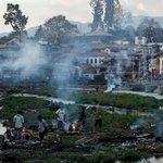 Séisme au Népal: 48 heures après le drame http://t.co/uZas50IUbb http://t.co/j71kHfc8L0