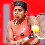 Filha de ex-boia-fria, Teliana já rifou raquete e fez vaquinha para jogar http://t.co/8qwmOJOMEA #Tenis http://t.co/ExvLTXWp4K