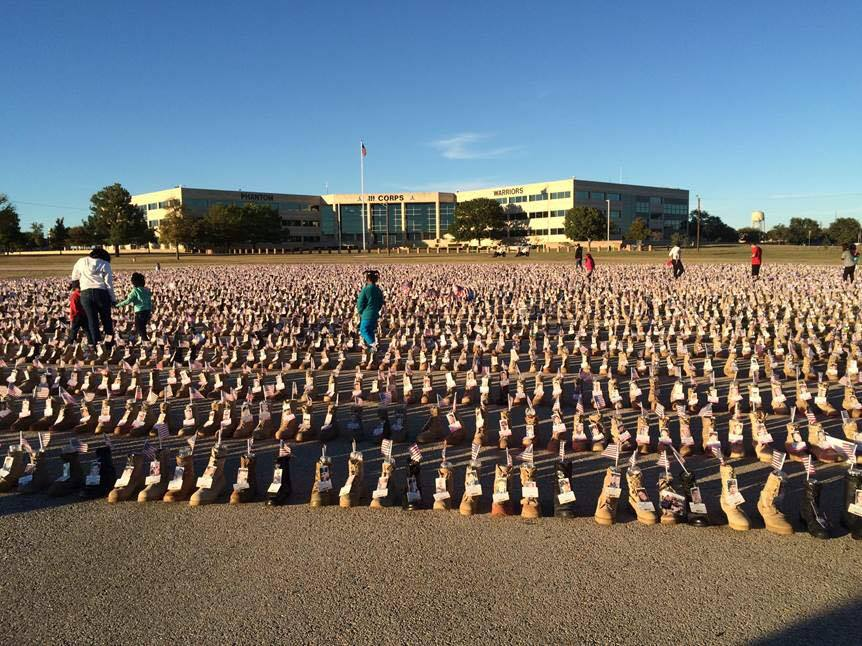 Today's #MilitaryMonday photo is from Fort Hood. One boot for every American life lost in Iraq & Afganistan. http://t.co/kQQcSdE0wg