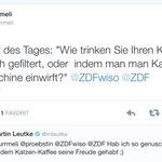 Nuschelt unser Moderator @mleutke, hört @urrmeli nur schlecht oder kommen wirklich Katzen in den Kaffee? #wiso http://t.co/S5nidoHy5O