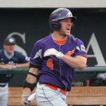 Kevin Kaczmarski @UEAthletics leads DI baseball with .534 OB% in todays national rankings - http://t.co/PHCQg1EtoE http://t.co/t1ertOp7uy