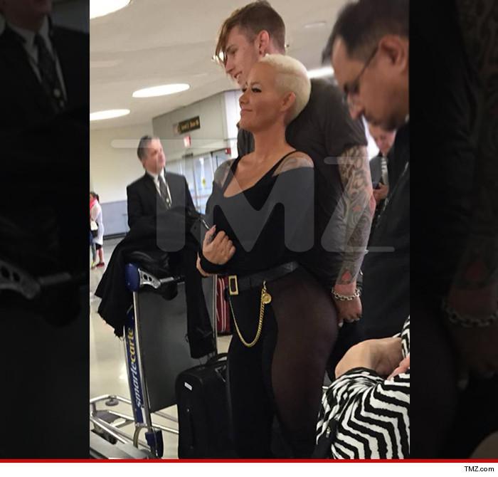 Are Amber Rose & Machine Gun Kelly BANGING?!?