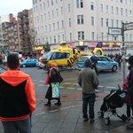 #ADAC Hubschrauber auf Kreuzung in #Moabit #Berlin http://t.co/KKsR2AYh8C
