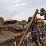 """Népal : ces lieux, détruits par le séisme où """"les habitants communient avec les dieux"""" http://t.co/LFyFEY6h2w http://t.co/3du6qSUsLL"""