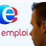5 590 600 chômeurs : Rebsamen toujours ministre du travail http://t.co/07cb6dSsfZ http://t.co/cpSmPO56ur