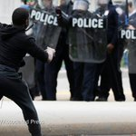 Chaos and violence escalate in Baltimore as hundreds of police officers gather http://t.co/ckMLH7AFRs http://t.co/YipA8r5TS7