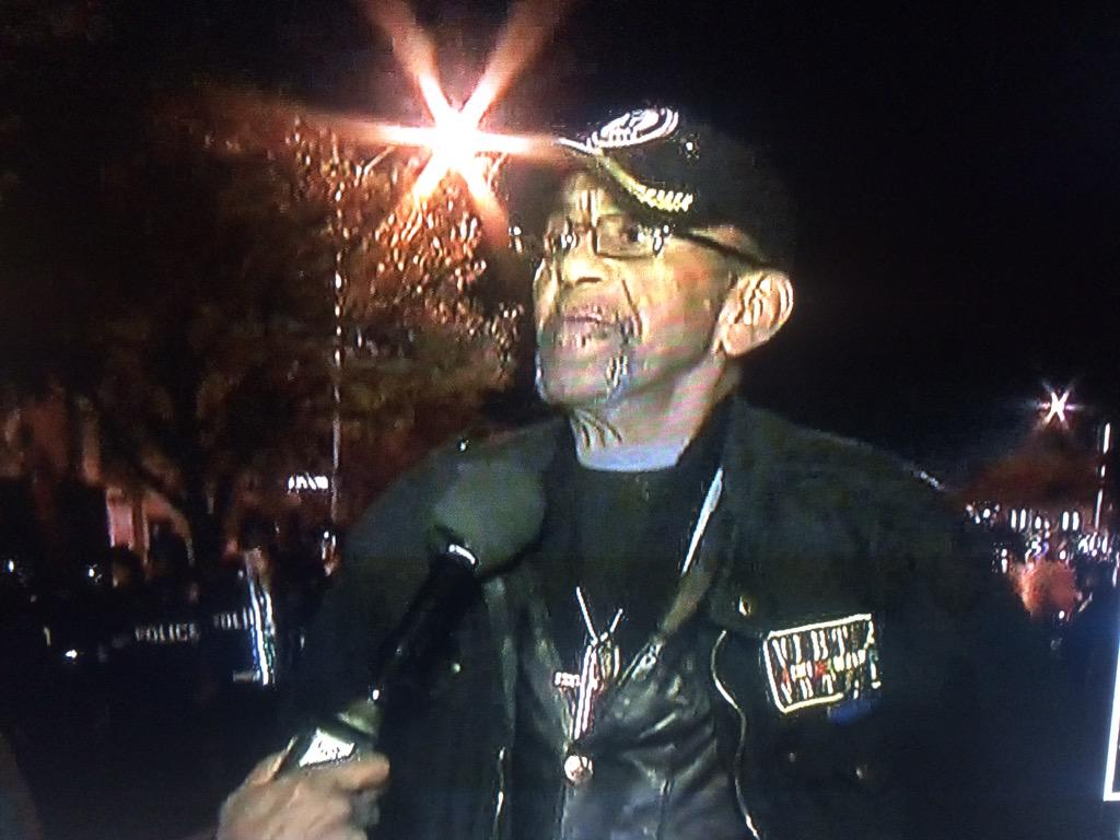 THIS is a Hero. An American. A Soldier. Standing up against lawlessness. #RobertValentine #BaltimoreRiots http://t.co/XAlYrweQM2