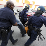Baltimore police say 7 officers have been injured, 1 officer unresponsive http://t.co/4Cd0aK3at9 http://t.co/7FdpkjP54J