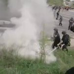 RAW: Police disperse violent #FreddieGray protesters with smoke #BaltimoreRiots [VIDEO] http://t.co/a1NdDV4lbU http://t.co/bJFcZfex9N