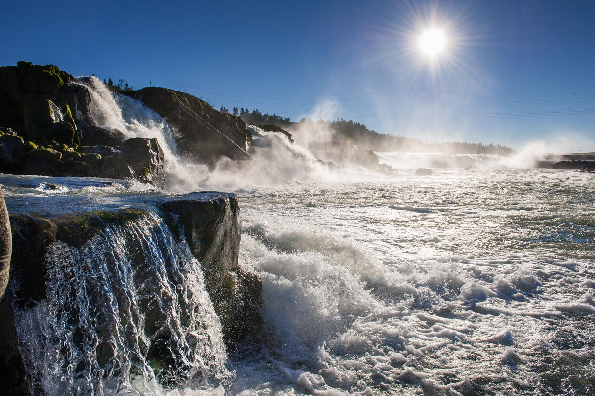 Willamette Falls Heritage Area designated as state's 1st heritage area: http://t.co/uIFn8EPY1U http://t.co/fghZAXw4G3 http://t.co/qbNkzWiV69