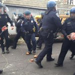 7 police officers injured in violent clash in Baltimore http://t.co/Eo31iKNTGs #chicago http://t.co/9lRsvWS99O
