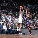 Deron Williams matches his career playoff high with 35 points to help Nets tie series vs Hawks, 2-2. http://t.co/Os9Kn7ZBYH