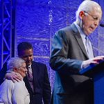 It was an unbelievable honor to present the Lifetime Achievement Award at the #CATSPYs to Commissioner Slive. http://t.co/BkkuKu410g