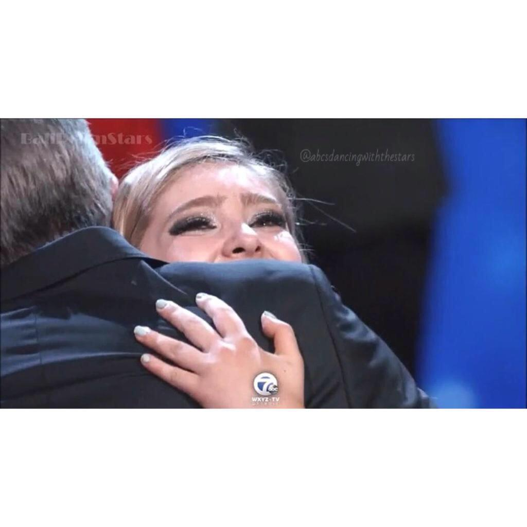 Felt more like a dad than a TV host tonight. You were amazing, @WillowShields. You too @MarkBallas. http://t.co/g4r5tp1RtI