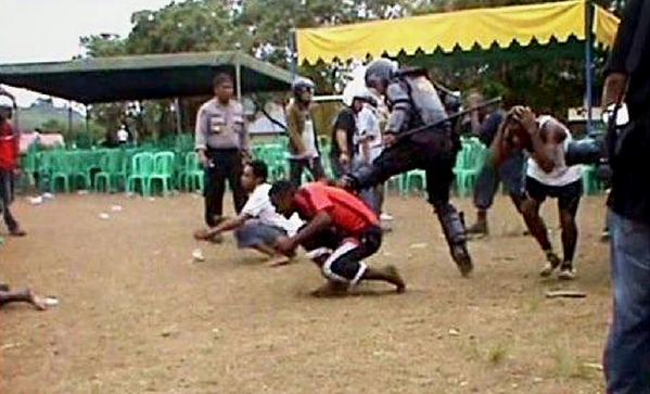 This is #Indonesia in occupied #WestPapua. Please share this image to the world. http://t.co/9RmaKFTqSt
