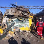Serious train crash at Denver train station. Fatalities @EWNTraffic @eNCAnews @Beeld_Nuus http://t.co/PHg9M3rwU1