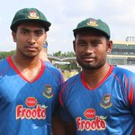 #BANvPAK 1st Test Day 1:Earlier today, Soumya and Shohid were given Test caps for Bangladesh! #riseofthetigers http://t.co/BAC32WrRmD
