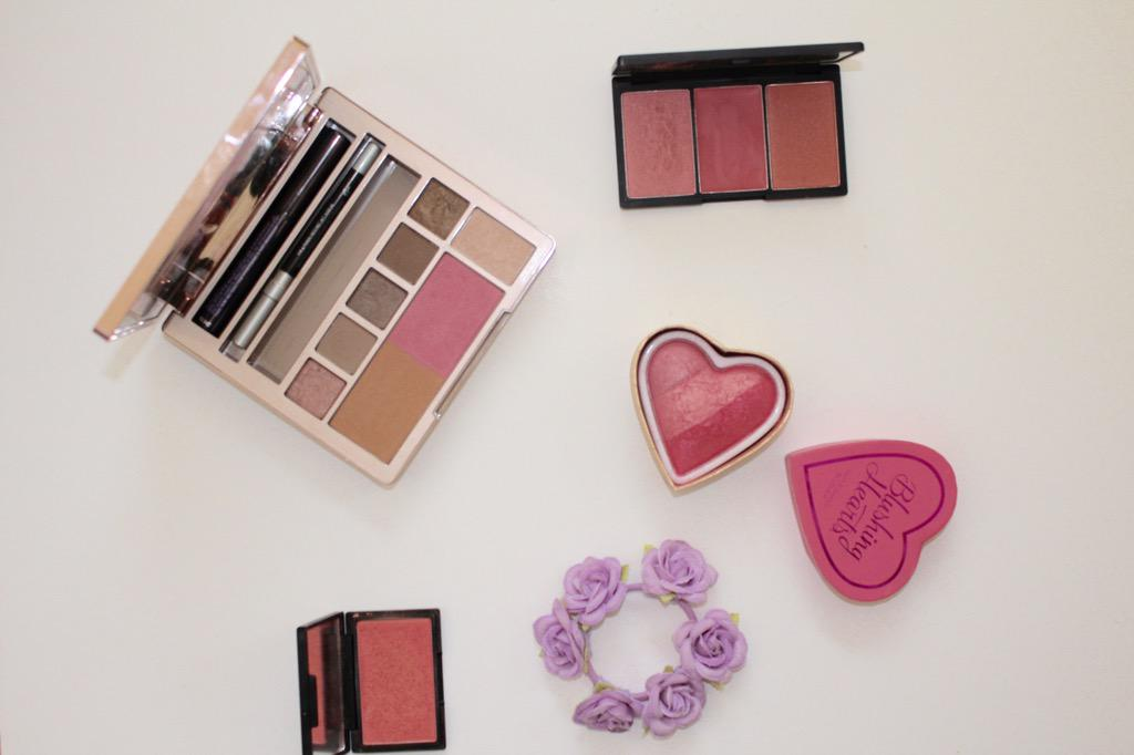 Talking spring blushes on the blog today http://t.co/tLPEqrlwfB @UKBlog_RT @ScotBloggers @blogginggals #bblogger http://t.co/dNfLoSvho4