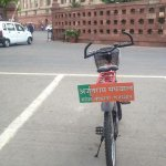 This 62 year Old BJP MP Arjun Ram Meghwal cycles everyday to Parliament. 99% Attendance. No Show-off. Much Respect! http://t.co/R9YOicW2kx