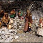 عندما نتحدث عن الامهات وبساطة الحياة قديما وكيف كان كفاحهن من أجل جيل واعد ,,,,, #عمان #شعب_من_ذهب #ملامح_من_بلادي http://t.co/5juuUvZPa8
