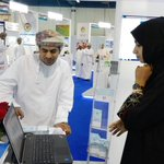 معالي الدكتور عبدالله الحراصي يقف عن كثب للتعرف على التسهيلات الإلكترونية للهيئة #كومكس2015 #زورونا #عمان_الرقميه http://t.co/oaKnBK46uH