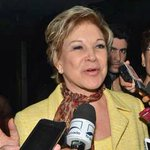 """""""@g1: Após 33 anos n PT, Marta Suplicy entrega carta de desfiliação ao partido http://t.co/0mSlMypLnO #G1 http://t.co/dBXA61Evr3""""oportunista"""