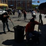 Volunteers pick up broken glass after a night of riots in Baltimore http://t.co/Sx7d2YZIIw (Photo: A.J. Chavar/NYT) http://t.co/uirERL4yBh