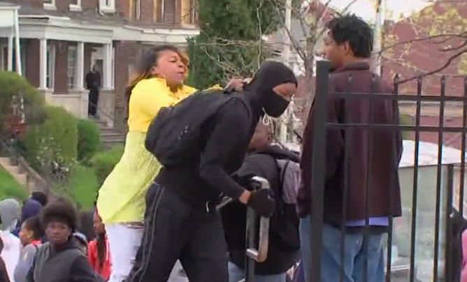 #momoftheyear confronts her son, who she saw on TV taking part in the #BaltimoreRiots http://t.co/GoOq3IeIcH http://t.co/C2o4nmbeDR