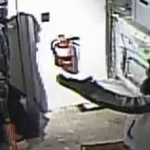 Police say suspects broke into Aurora pharmacy by cutting hole in wall http://t.co/VZfDY8g5Rk http://t.co/Nc6htGcrks