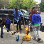 #WJZ NOW: Baltimore community, many ages and races, joining as one to clean-up. @cbsbaltimore http://t.co/GJihmfahxd