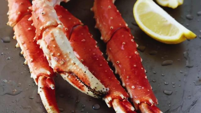 Trending: Jameis Winston offered free crab legs for life by Tampa restaurant http://t.co/fN6RmhuBqA http://t.co/76HY7iMRnr